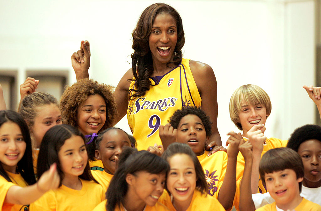 lisa leslie female sports pioneer wnba los angeles sparks