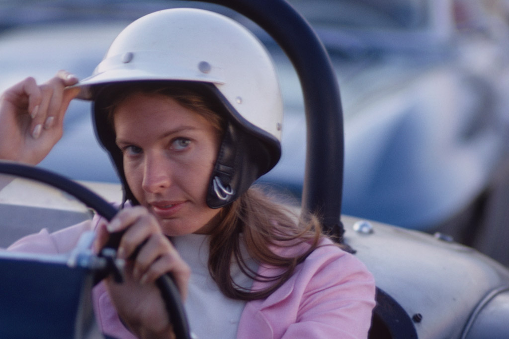 janet guthrie female sports pioneer in NASCAR