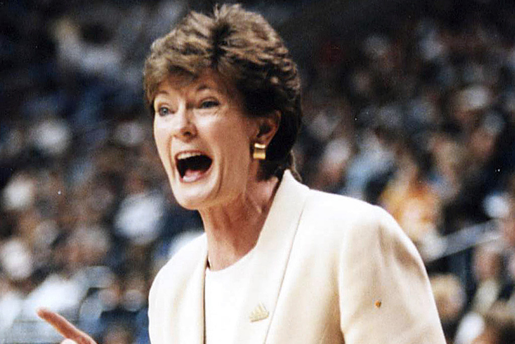 pat summitt female sports pioneer college basketball coach