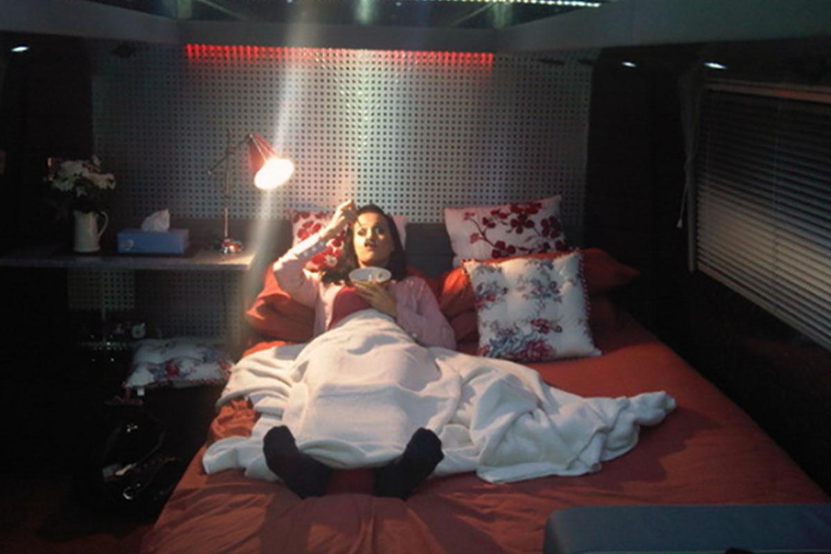 katy perry tour bus