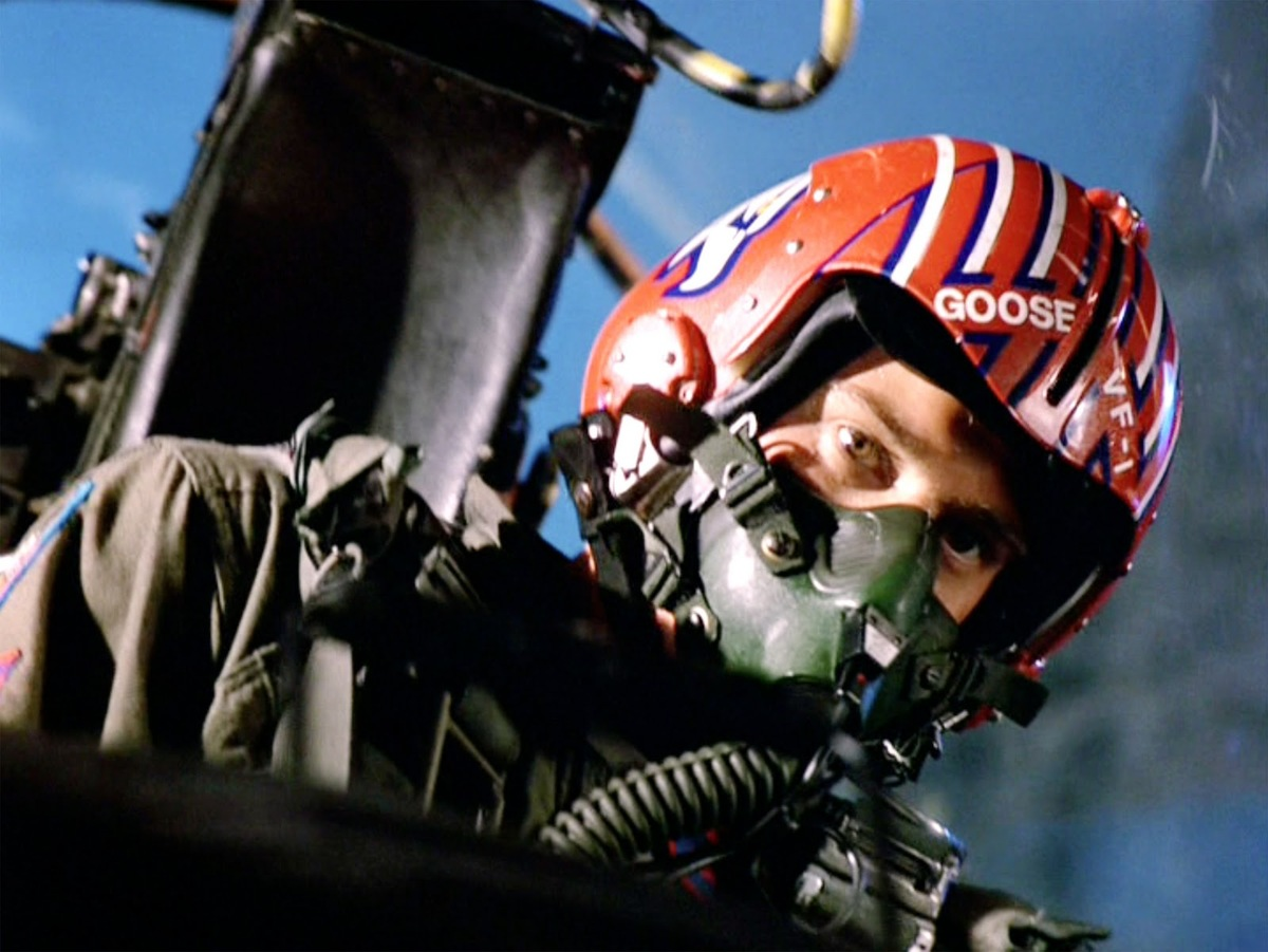 anthony edwards flying in top gun