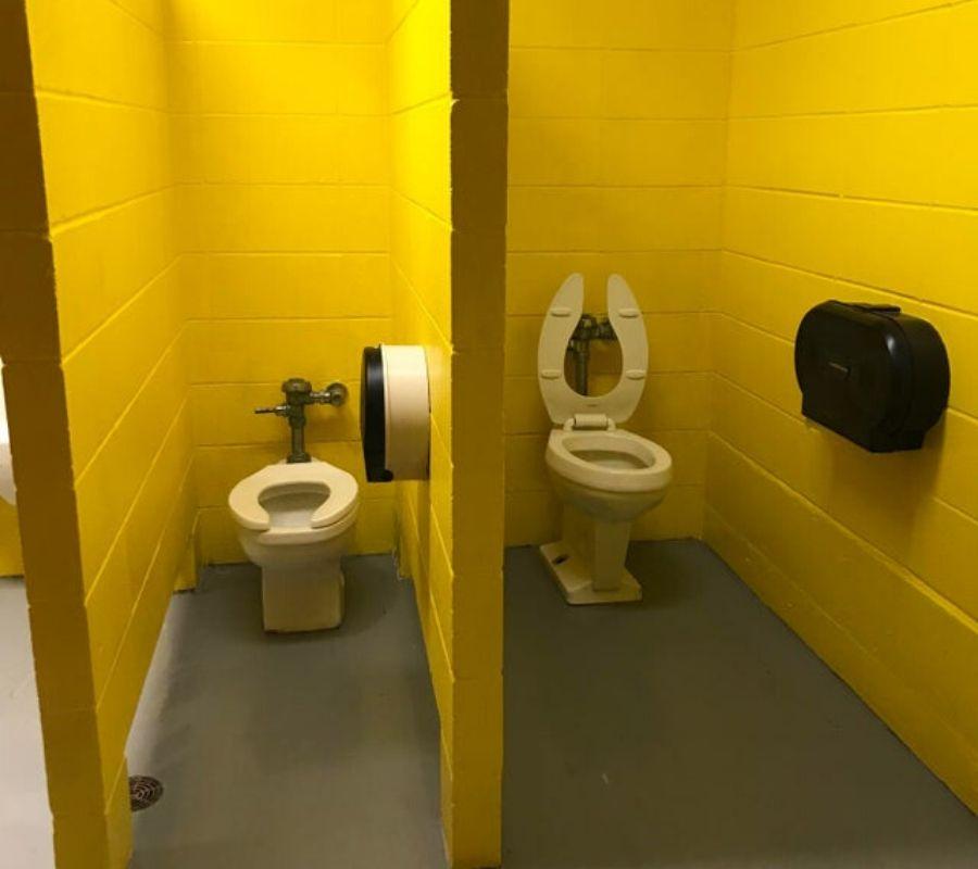 bathroom stalls with no doors