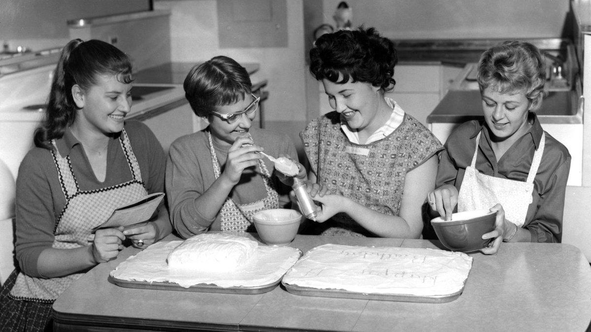 girls in retro home economics course