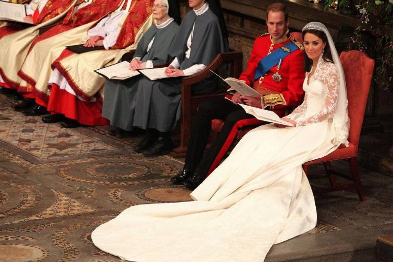 Kate-Middleton-Wedding-Dress-809170200