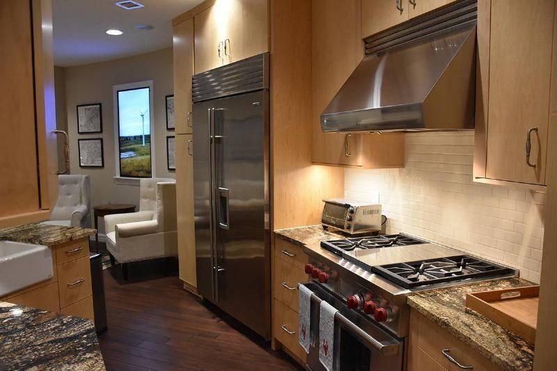 Full-Size Kitchen Appliances