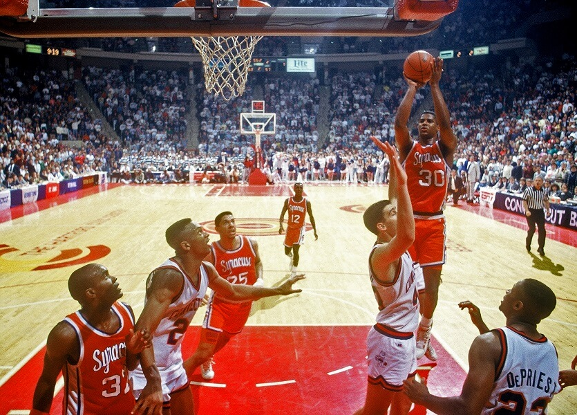 Billy Owens Shoots A Jumper during his great college career at Syracuse